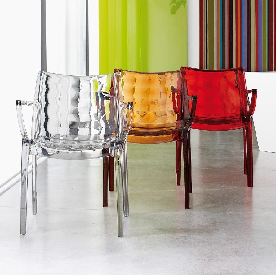 Arredare con le sedie trasparenti arredare casa online for Arredare casa on line